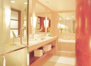A bathroom at Taj Campton Place