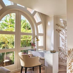 A bathroom at The Beverly Hills Hotel - Dorchester Collection