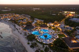 Blick auf Bahia Principe Grand Tulum All Inclusive - Newly Renovated aus der Vogelperspektive