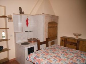 A kitchen or kitchenette at B&B Le Cento Strette