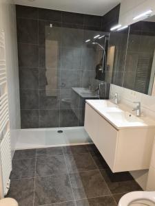 A bathroom at White Princess-Yzzis