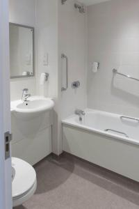 A bathroom at Kings Highway, Derby by Marston's Inns