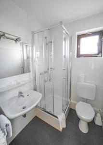 A bathroom at Hotel Joh