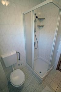 Kupaonica u objektu Aparthotel Buratovic