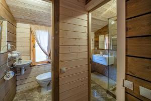 Ванная комната в Отель Panorama Парк Междуречье