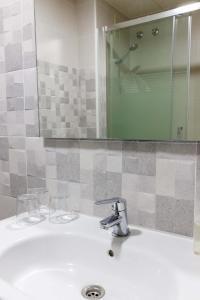 A bathroom at Hotel Herasu