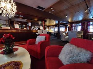 Majoituspaikan Saariselkä Inn Majatalo Panimo baari tai lounge-tila
