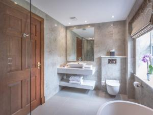 A bathroom at The Culloden Estate and Spa