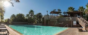 The swimming pool at or near Toison D'or