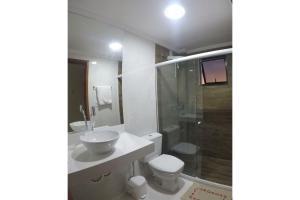A bathroom at Recanto Del Mare