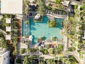 A view of the pool at Jumeirah Al Naseem or nearby