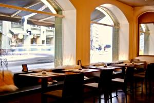 A restaurant or other place to eat at Hotel Midpoint Helsinki