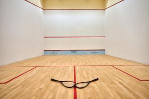 Теннис и/или сквош на территории Hilton Malta или поблизости