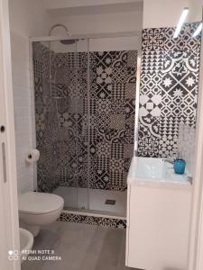 A bathroom at Flaminio Holidays