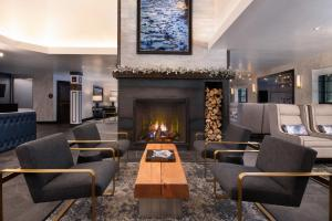 The lounge or bar area at Gravity Haus Vail