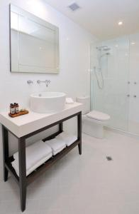 A bathroom at Grand Hotel Melbourne
