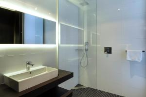 Een badkamer bij Van der Valk Uden - Veghel