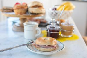 Breakfast options available to guests at Hayes Valley Inn