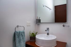 A bathroom at Casa turquesa