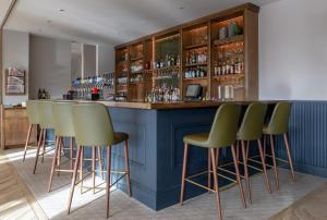 The lounge or bar area at Carlton Hotel Dublin Airport