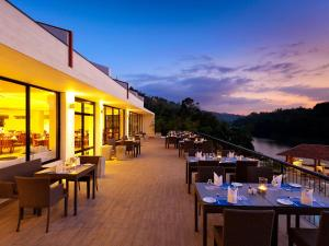 A restaurant or other place to eat at Cinnamon Citadel Kandy