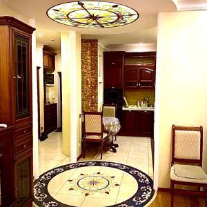 Гостиная зона в Apartments on Meridiannaya Ulitsa 3