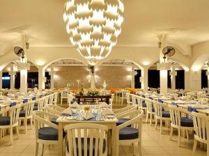 A restaurant or other place to eat at Trinco Blu by Cinnamon