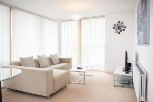 A seating area at City Stay Apartments - Vizion