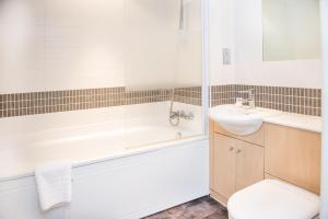 A bathroom at City Stay Apartments - Vizion