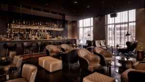 The lounge or bar area at Park Plaza Victoria Amsterdam