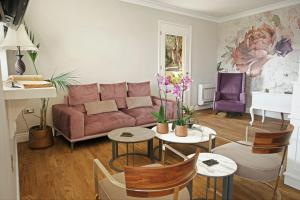 A seating area at Agnantia Bed & Breakfast