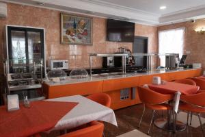 Кухня или мини-кухня в Гостиничный Комплекс Баккара