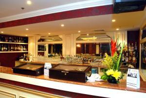 مطعم أو مكان آخر لتناول الطعام في فندق موسكو