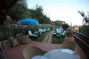 A restaurant or other place to eat at Hotel Lo Scirocco