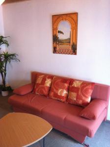 A seating area at Hotel Am Römerhof