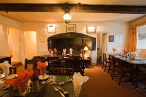 A restaurant or other place to eat at Duke of York