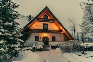 Bed & Breakfast Szymaszkowa 1 during the winter