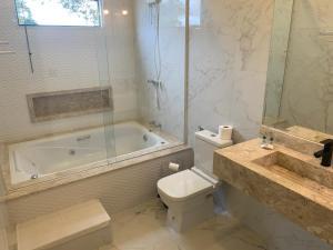 Um banheiro em Parque Hotel Holambra