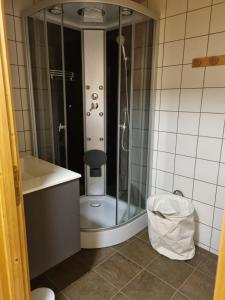 A bathroom at L'Eterlou