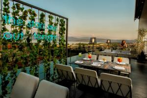 A restaurant or other place to eat at Saz City Life Hotel