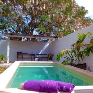 """Piscina en o cerca de Casa """"La Huerta """"Habitación Privada con alberca"""