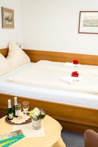 Ein Bett oder Betten in einem Zimmer der Unterkunft Haus Seeblick