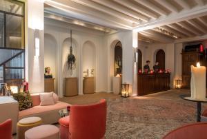 Lobbyn eller receptionsområdet på Sinner Paris