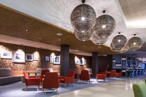 The lobby or reception area at Georg Ots Spa Hotel
