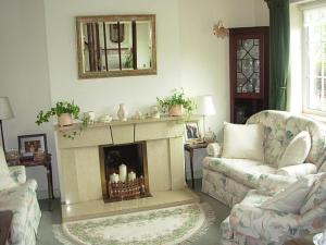 A seating area at Meadow Bank B&B