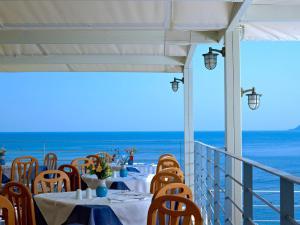 Ресторан / где поесть в Bali Beach Hotel & Village