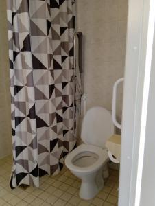 Kylpyhuone majoituspaikassa Motel Marine