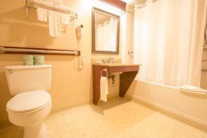 A bathroom at The Tidewater Inn - Cape Cod