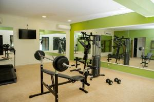 The fitness center and/or fitness facilities at Hotel Hibiscus Louis