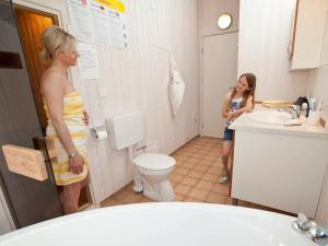 Ein Badezimmer in der Unterkunft Three-Bedroom Holiday home in Otterndorf 24